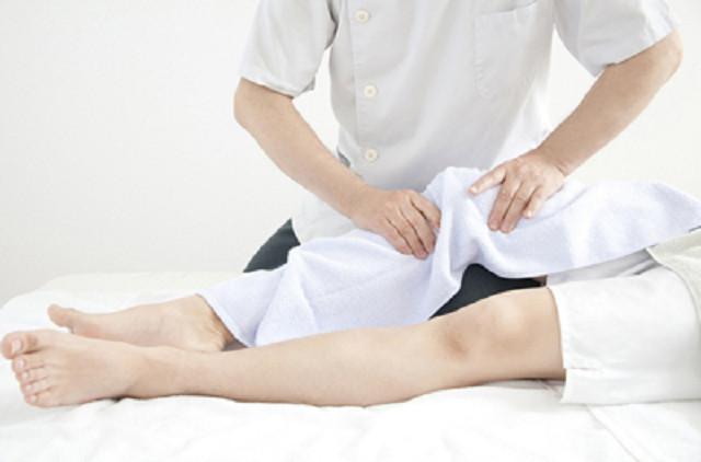 痛みのない施術でO脚やX脚を改善します
