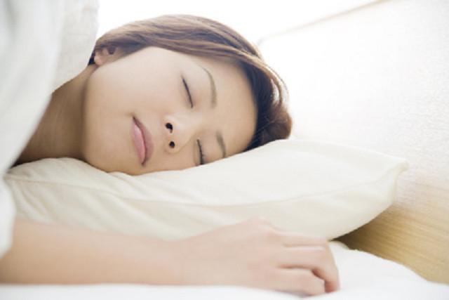 合わない枕や姿勢の悪さも原因になります