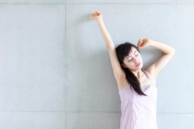 姿勢を矯正することで、身体の不調を改善
